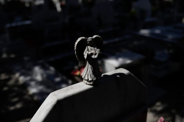 Νεκρός άνδρας στο νεκροταφείο της Λούτσας. Το πυροβόλησαν με πυροβόλο