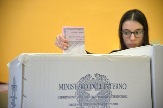 Ιταλικές εκλογές - Exit Polls: Η συμμαχία δεξιάς-άκρας δεξιάς πρώτη αλλά χωρίς πλειοψηφία. Πρώτο το Κίνημα...