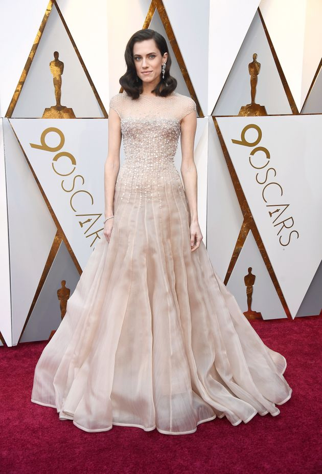 Oscars 2018 Red Carpet: Allison Williams Kicks Off The Arrivals In A Glistening Nude