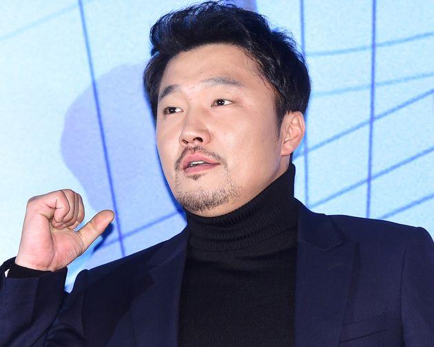 배우 한재영과 피해자가 성추행 폭로 이후 각각 추가 입장을
