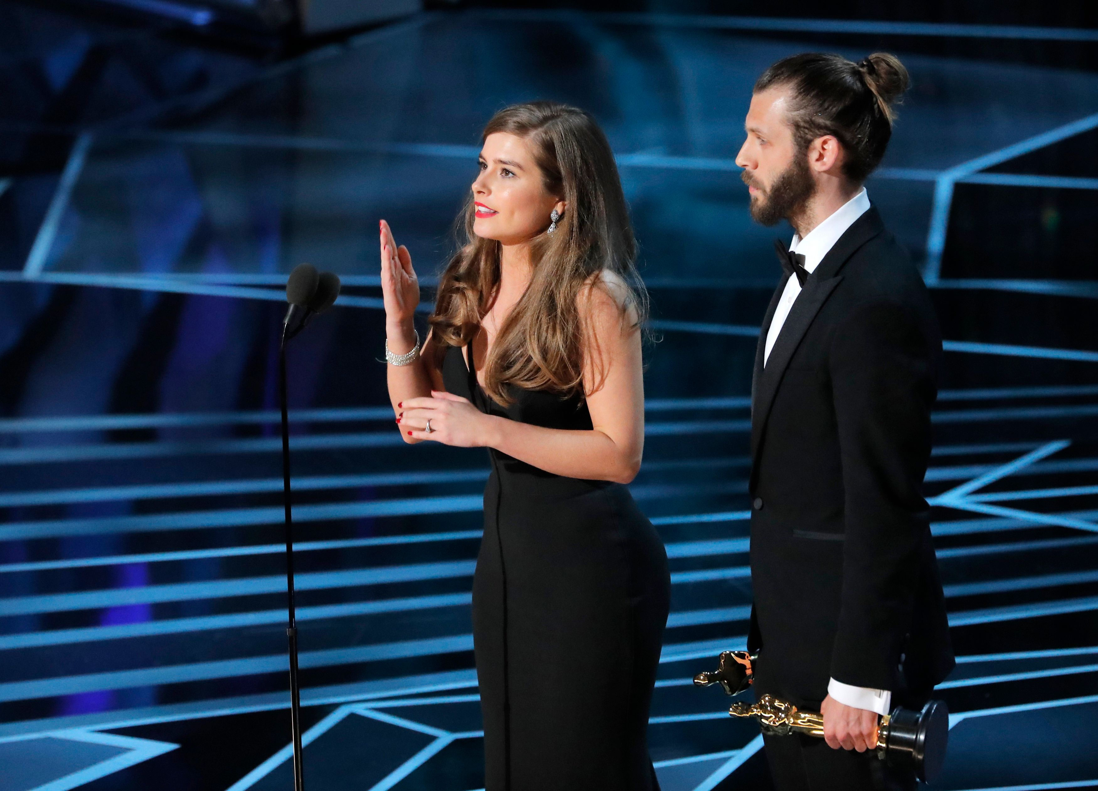 Rachel Shenton, Aka Mitzeee From Hollyoaks, Signed Her Speech After Triumphing At The