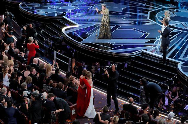오스카 여우주연상 프랜시스 맥도먼드가 남성 위주의 할리우드를 향해 외친 한