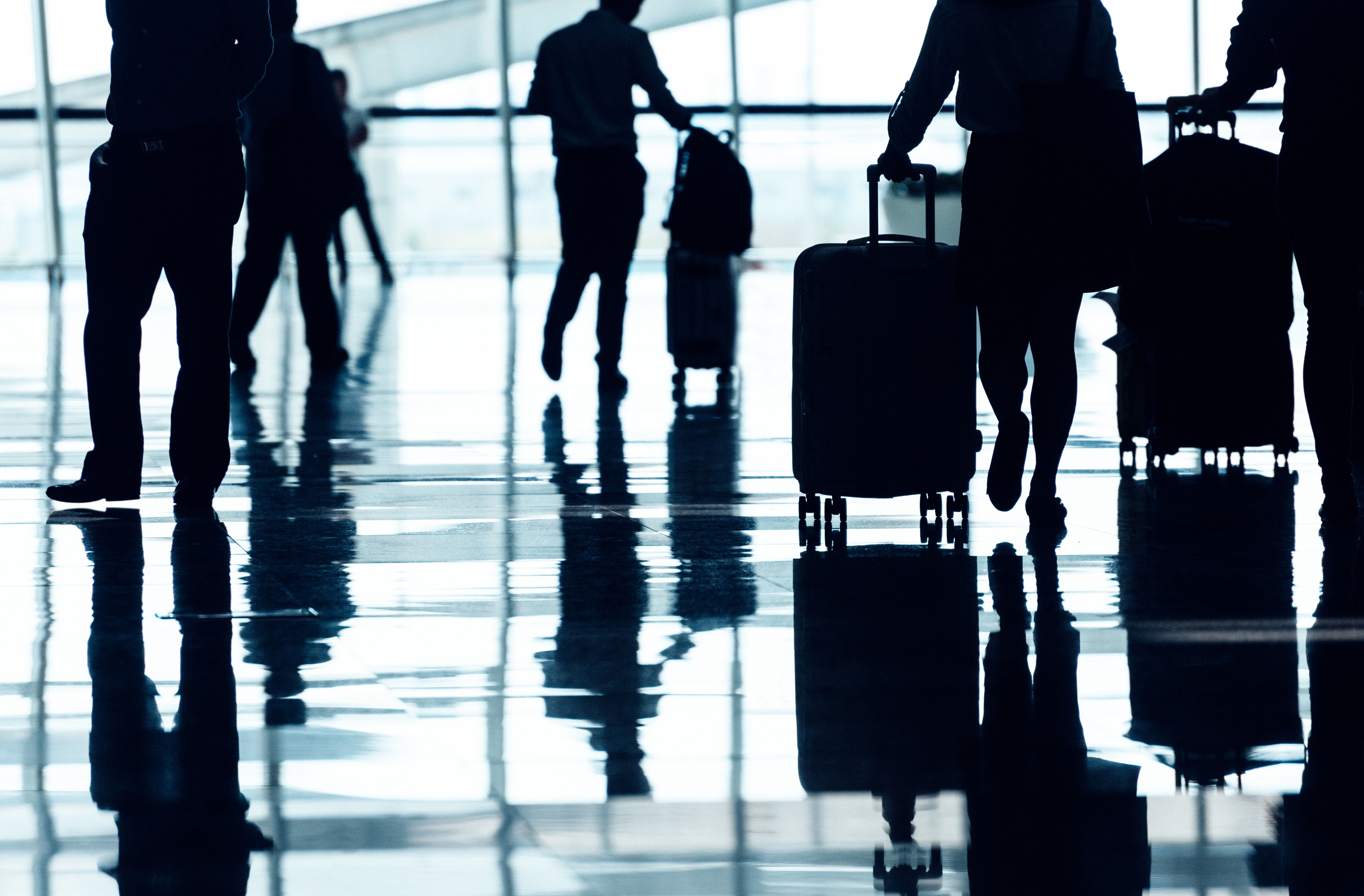 ΔιαΝΕΟσις: Οι Έλληνες γερνάμε, δεν γεννάμε, θέλουμε να φύγουμε από τη χώρα
