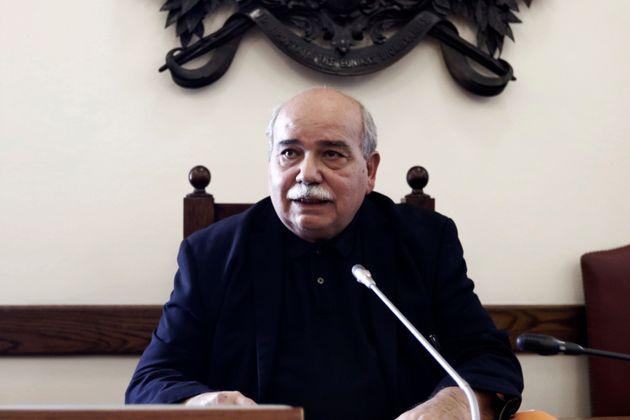 Εγκρίθηκε η τοποθέτηση Κουτεντάκη στο ΓΛΚ παρά τις καταγγελίες για κομματικό διορισμό. Οι αποχωρήσεις...