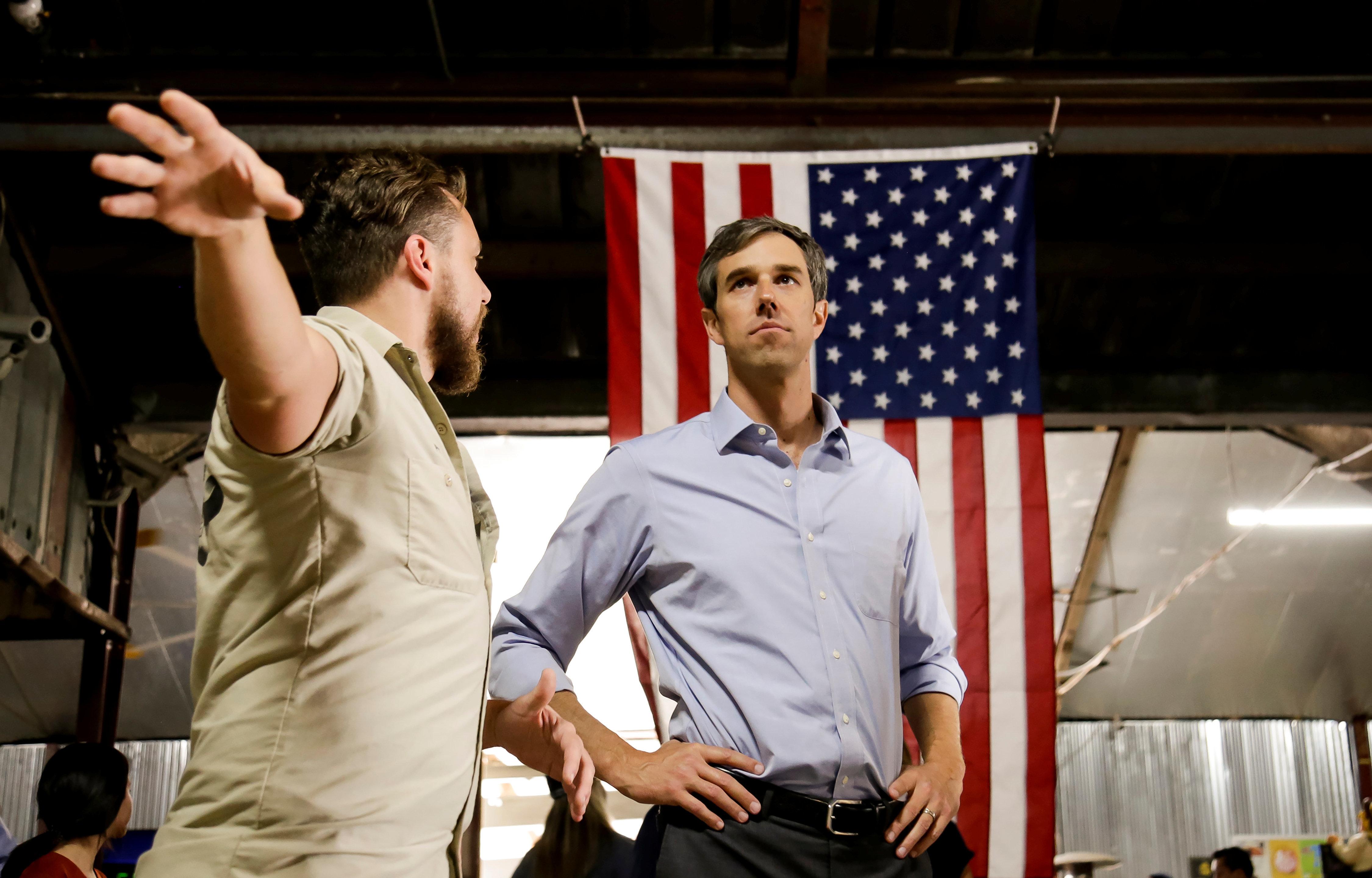 U.S. Representative Beto O'Rourke (D-TX) campaigns in Houston, Texas U.S. November 11, 2017.  REUTERS/William Philpott