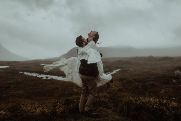 These Award-Winning Wedding Photos Stand Out From The
