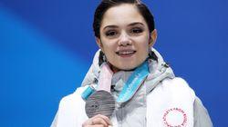 메드베데바는 평창올림픽 동안 러시아 국기를 옷에 숨기고