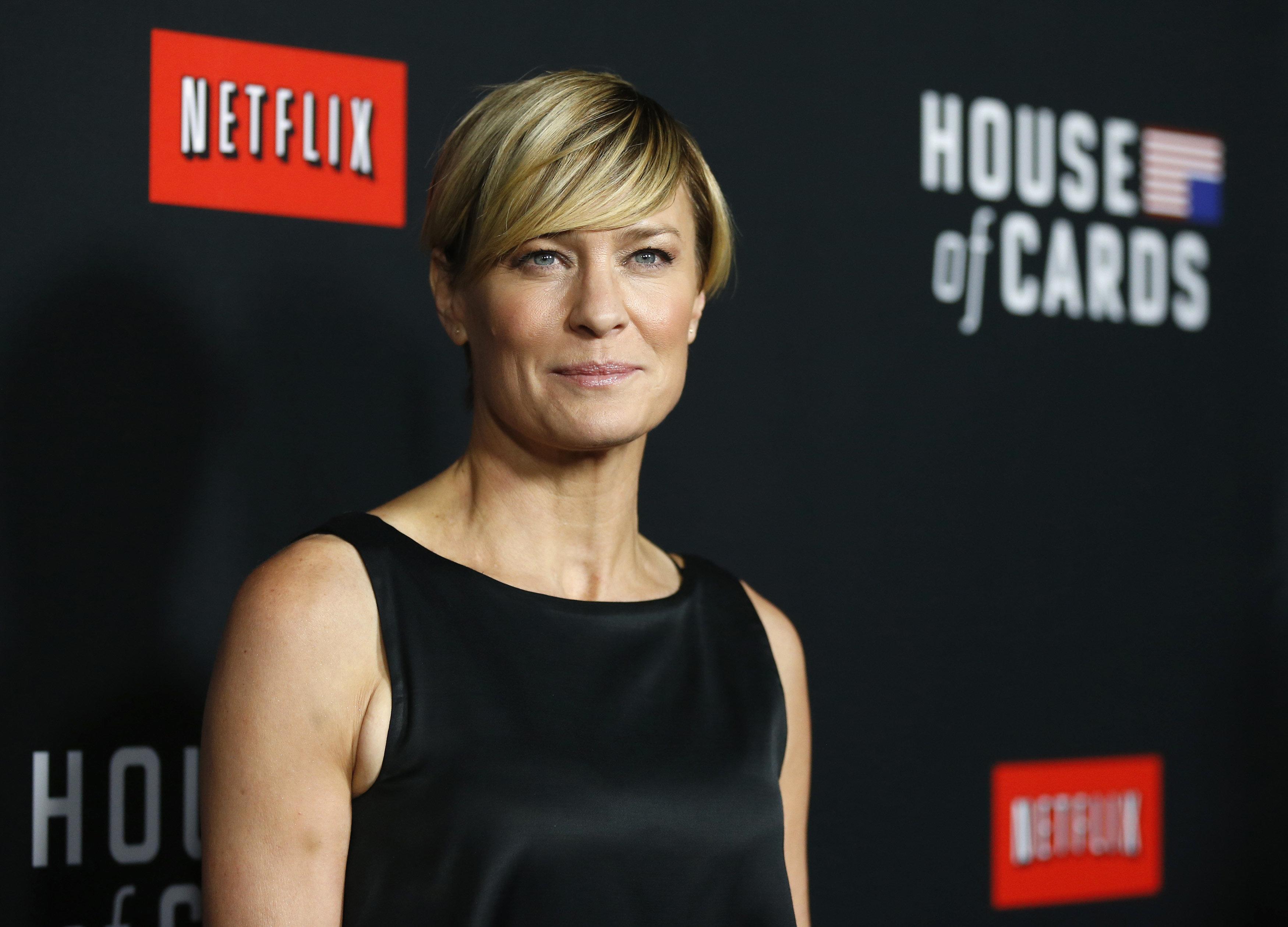 Κυκλοφόρησε το πρώτο τρέιλερ της νέας σεζόν του «House of Cards» χωρίς τον Kevin Spacey