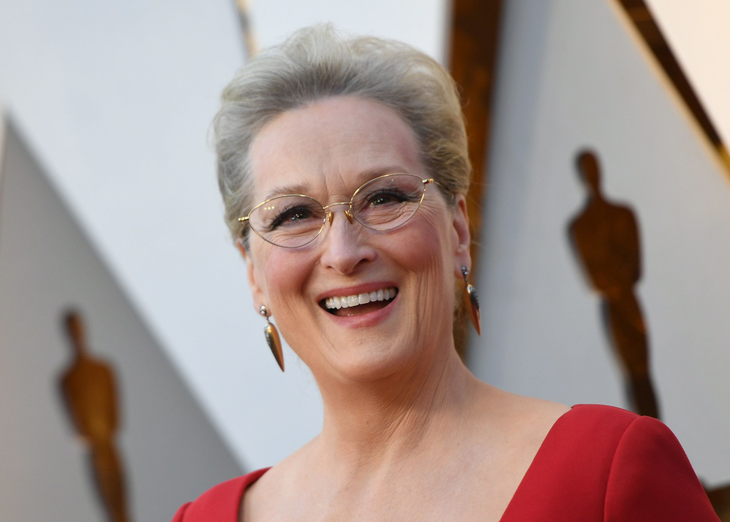 TOPSHOT - Actress Meryl Streep arrives for the 90th Annual Academy Awards on March 4, 2018, in Hollywood, California.  / AFP PHOTO / VALERIE MACON        (Photo credit should read VALERIE MACON/AFP/Getty Images)