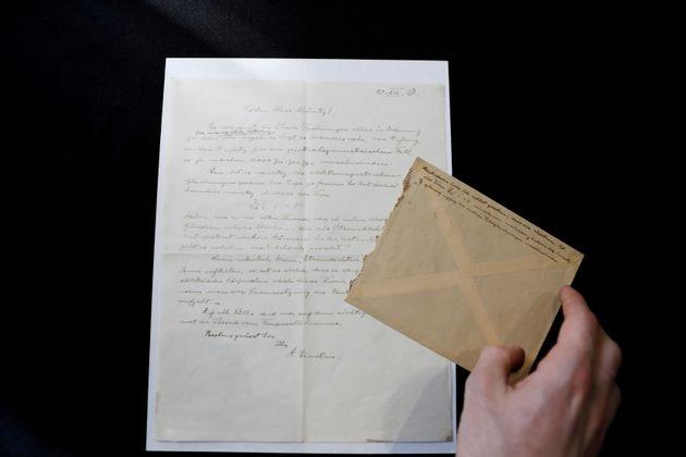 아인슈타인의 연애편지가 경매에