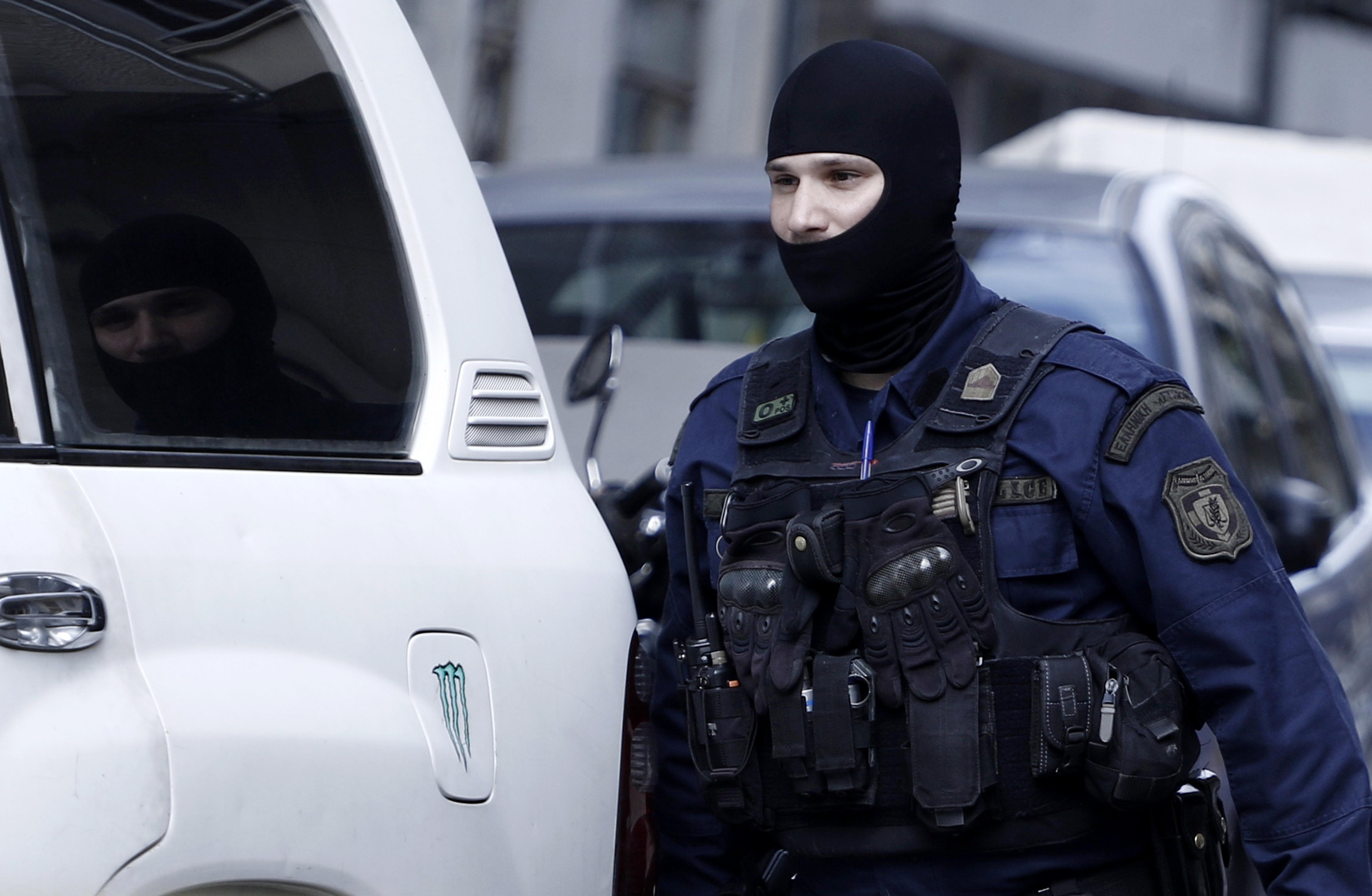 Συλλήψεις ακροδεξιών: Δικηγόρος στα χέρια της Αντιτρομοκρατικής. Βρέθηκε διόπτρα σε