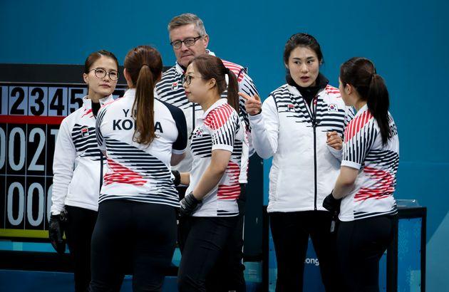 '팀 킴'을 지도한 외국인 코치가 밝힌 김민정 감독의