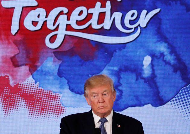 트럼프의 '미치광이' 전략이 통한 걸까? 전문가들의 의견은