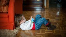Kleinkind spielt mit Mamas iPhone - jetzt ist das Gerät 47 Jahre