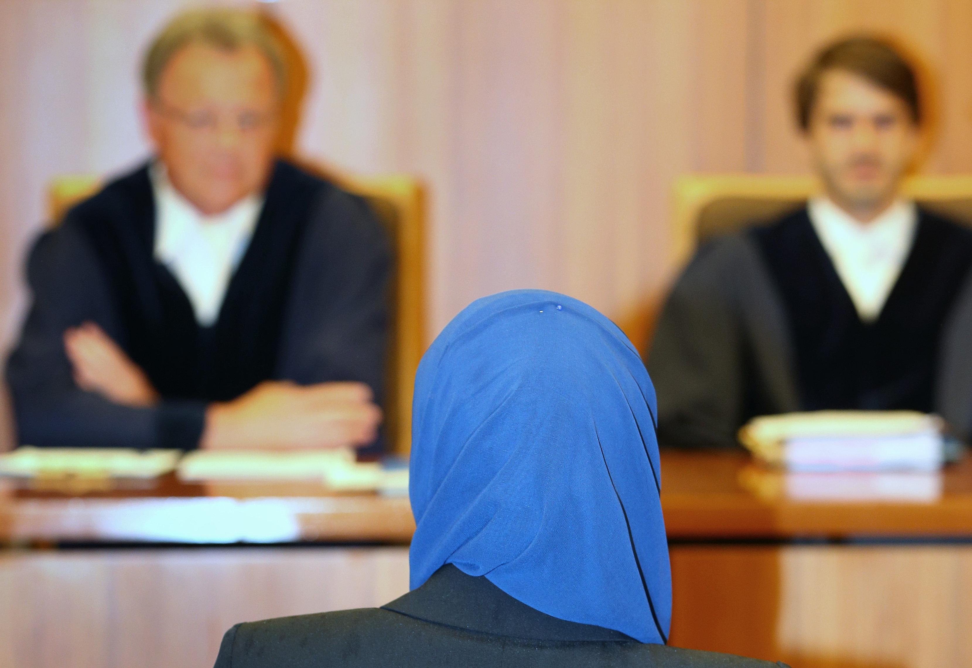 Gericht entscheidet: Rechtsreferendare dürfen in Bayern kein Kopftuch tragen