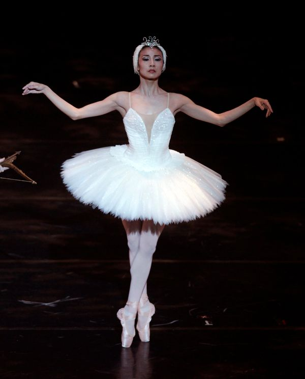 Chinese ballet dancer Yuan Yuan Tan started representing her country in international competitions as a young teen. At 1