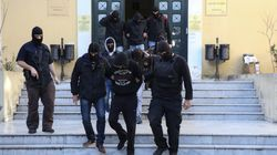 Κατηγορίες για κακουργήματα στο πλαίσιο εγκληματικής οργάνωσης απήγγειλε η εισαγγελέας σε βάρος των συλληφθέντων