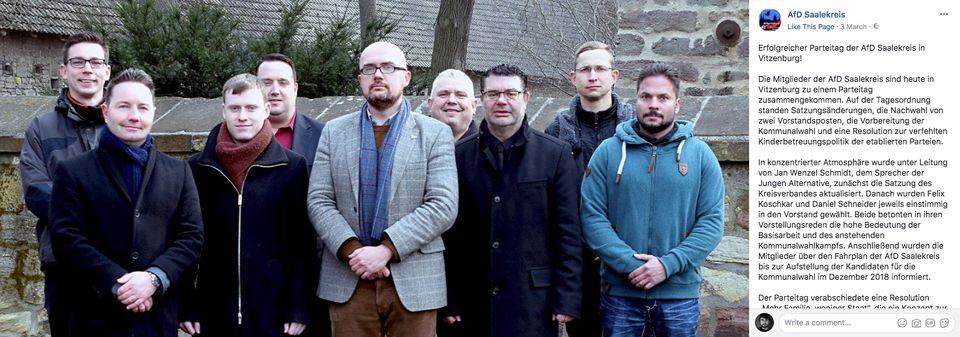 Die AfD-Saalekreis gibt die Wahl von Felix Koschkar (ganz links)