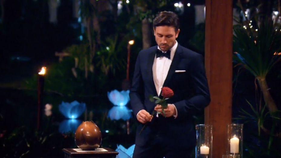 Das Bachelor-Finale im Live-Ticker: Kristina bekommt die Rose - aber ist sie noch mit dem Bachelor zusammen?