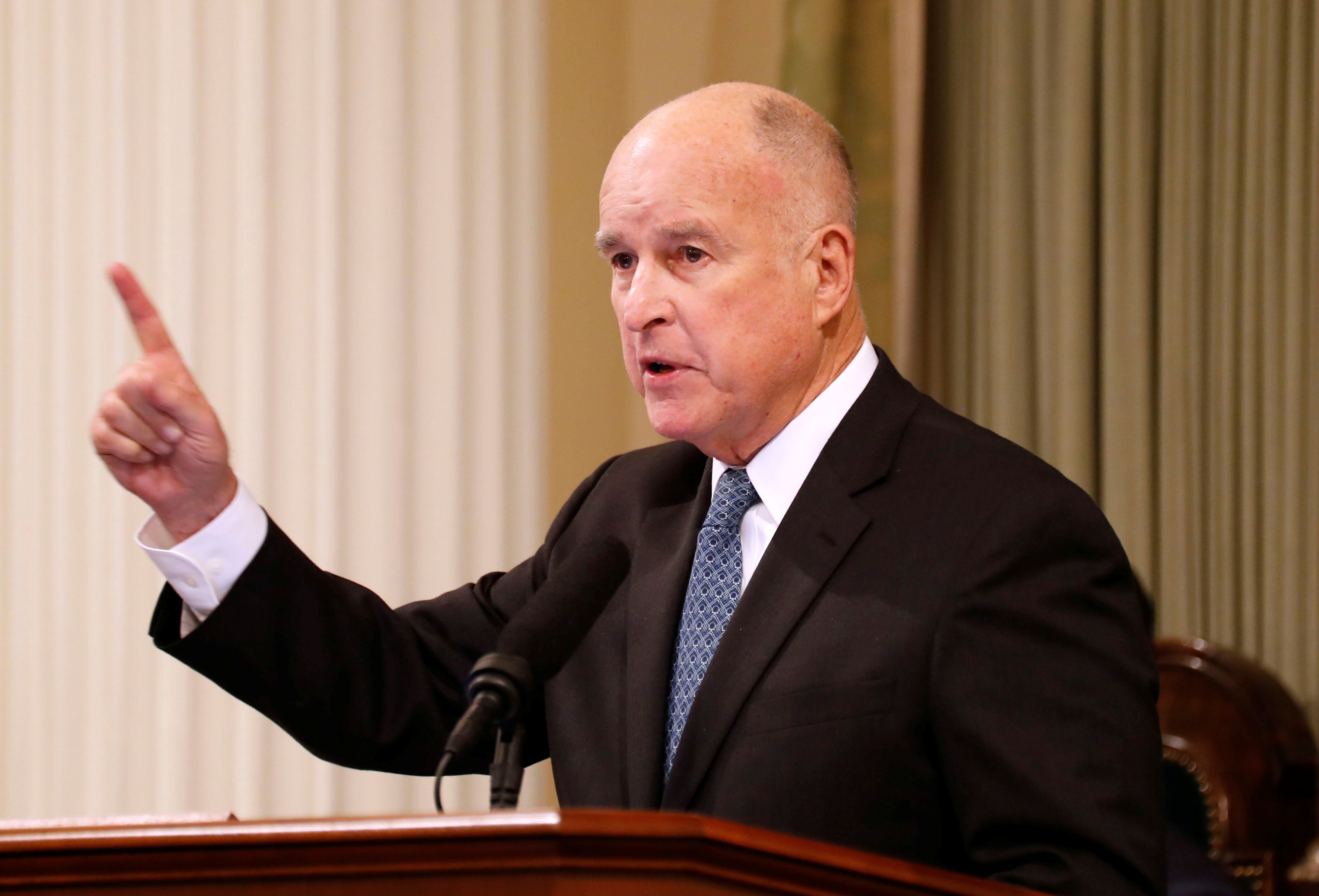 California Governor Jerry Brown delivers his final state of the state address in Sacramento, California, U.S., January 25, 2018. REUTERS/Fred Greave