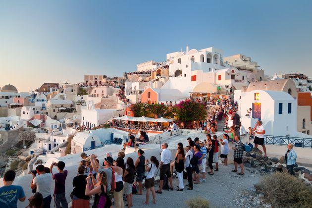 Τουλάχιστον 4εκατ Γερμανοί θα κάνουν διακοπές στην Ελλάδα αυτό το καλοκαίρι. Διπλάσιος αριθμός μέσα σε...