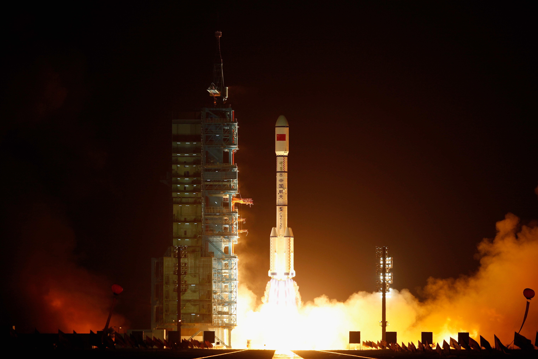 스페인, 포르투갈, 프랑스 머리 위로 우주선이 떨어질지