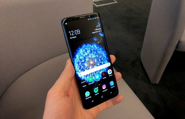 Samsung Galaxy S9: Buy It For The Camera, Hate It For The Emojis - HuffPost
