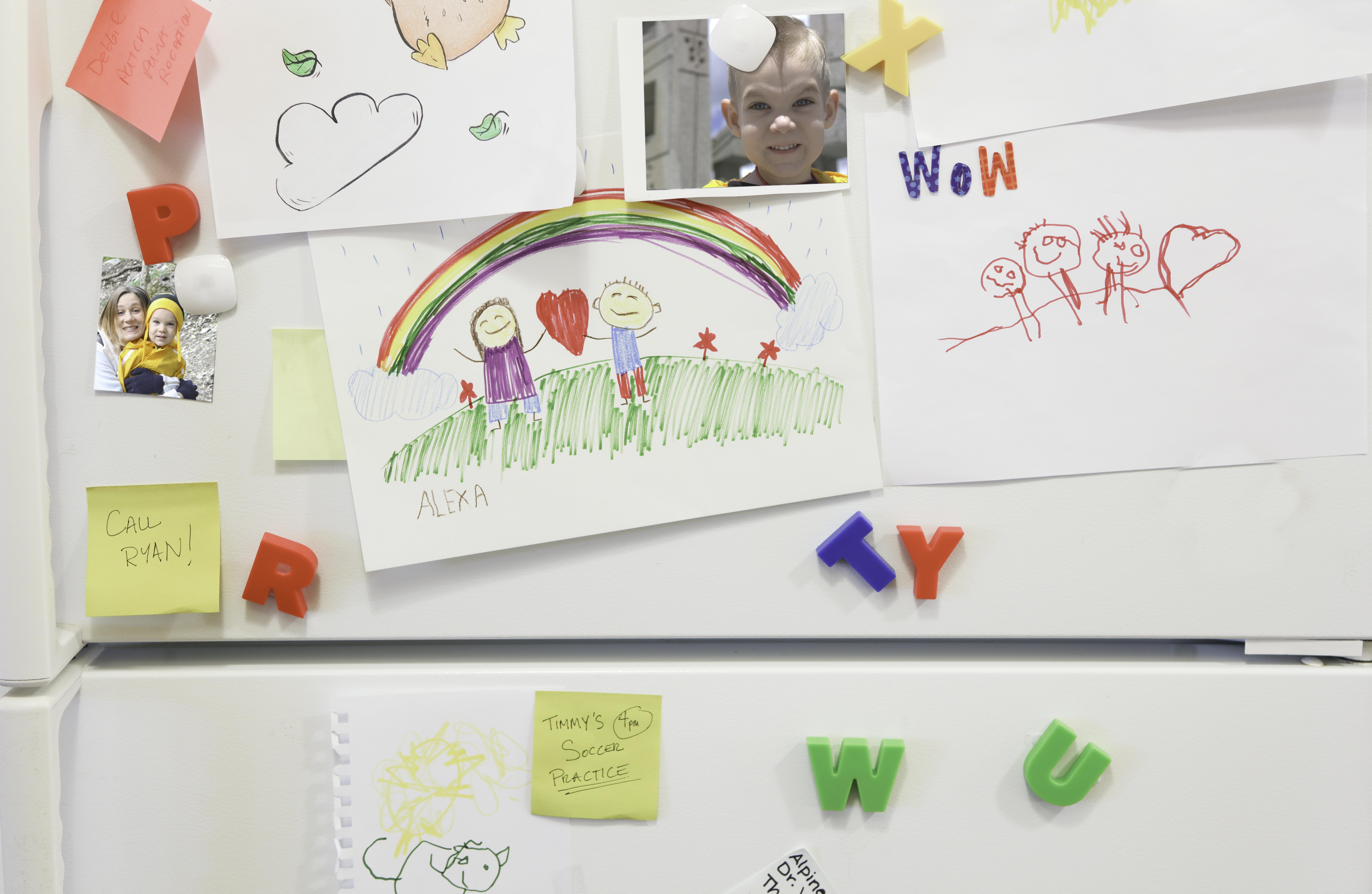 Οι «ιστορίες» των ψυγείων: Πώς το ψυγείο καταλήγει να σκιαγραφεί την οικογενειακή