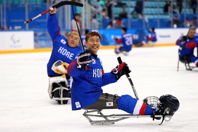 패럴림픽 아이스하키 대표팀이 한일전서