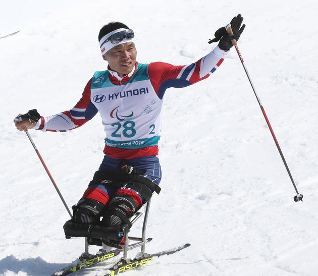 신의현이 패럴림픽 남자 크로스컨트리 15km 좌식에서 동메달을