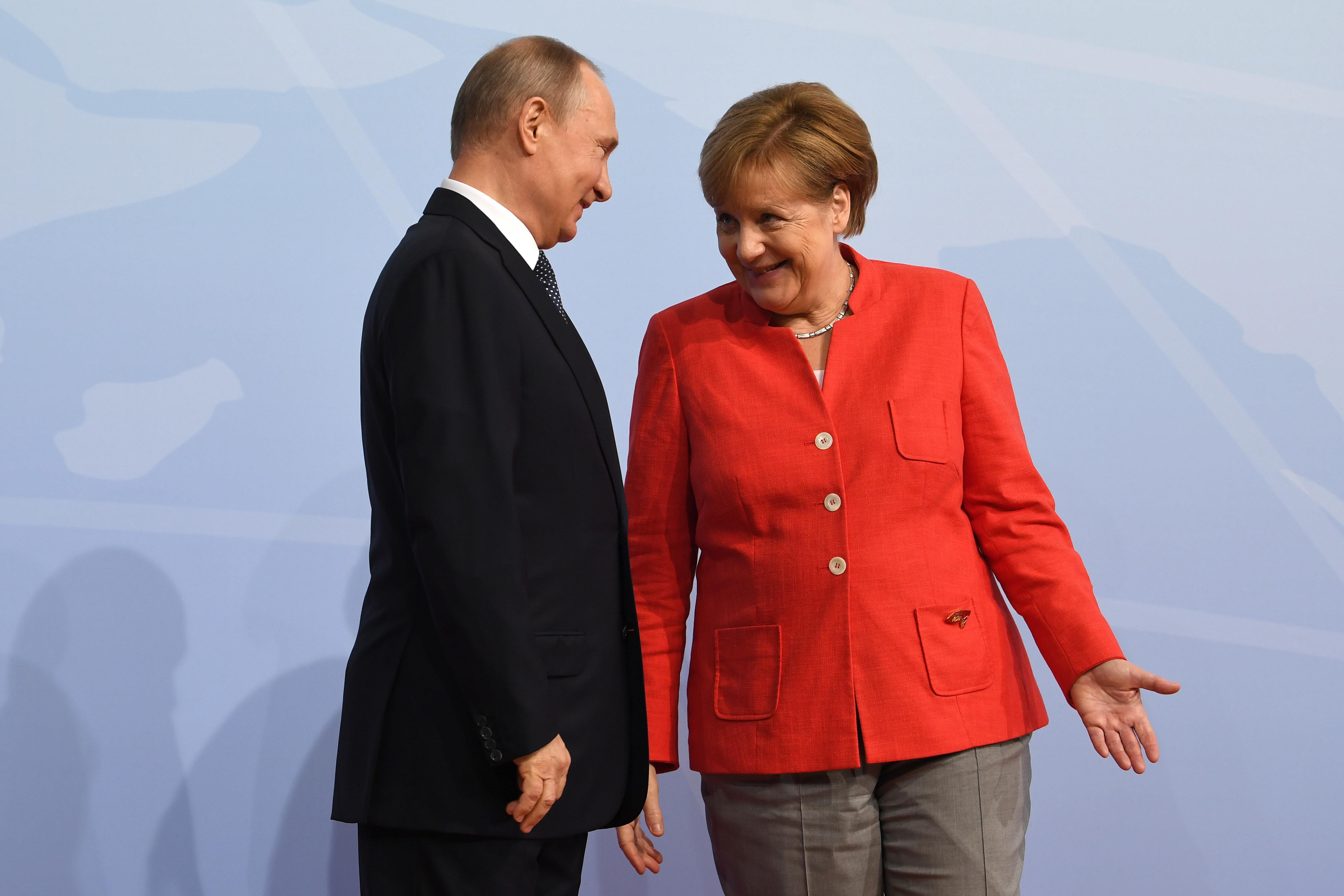 Putin verrät in Doku überraschendes Detail über Merkel
