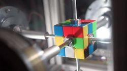 루빅스 큐브 맞추는 로봇이 인간의 기록을