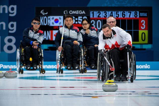 휠체어컬링 한국 대표팀이 '디펜딩 챔피언' 캐나다마저 꺾었다.