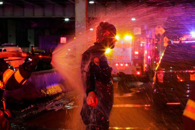 Συντριβή ελικοπτέρου στο Ιστ Ρίβερ της Νέας Υόρκης. Επέζησε ο πιλότος, νεκροί οι 5