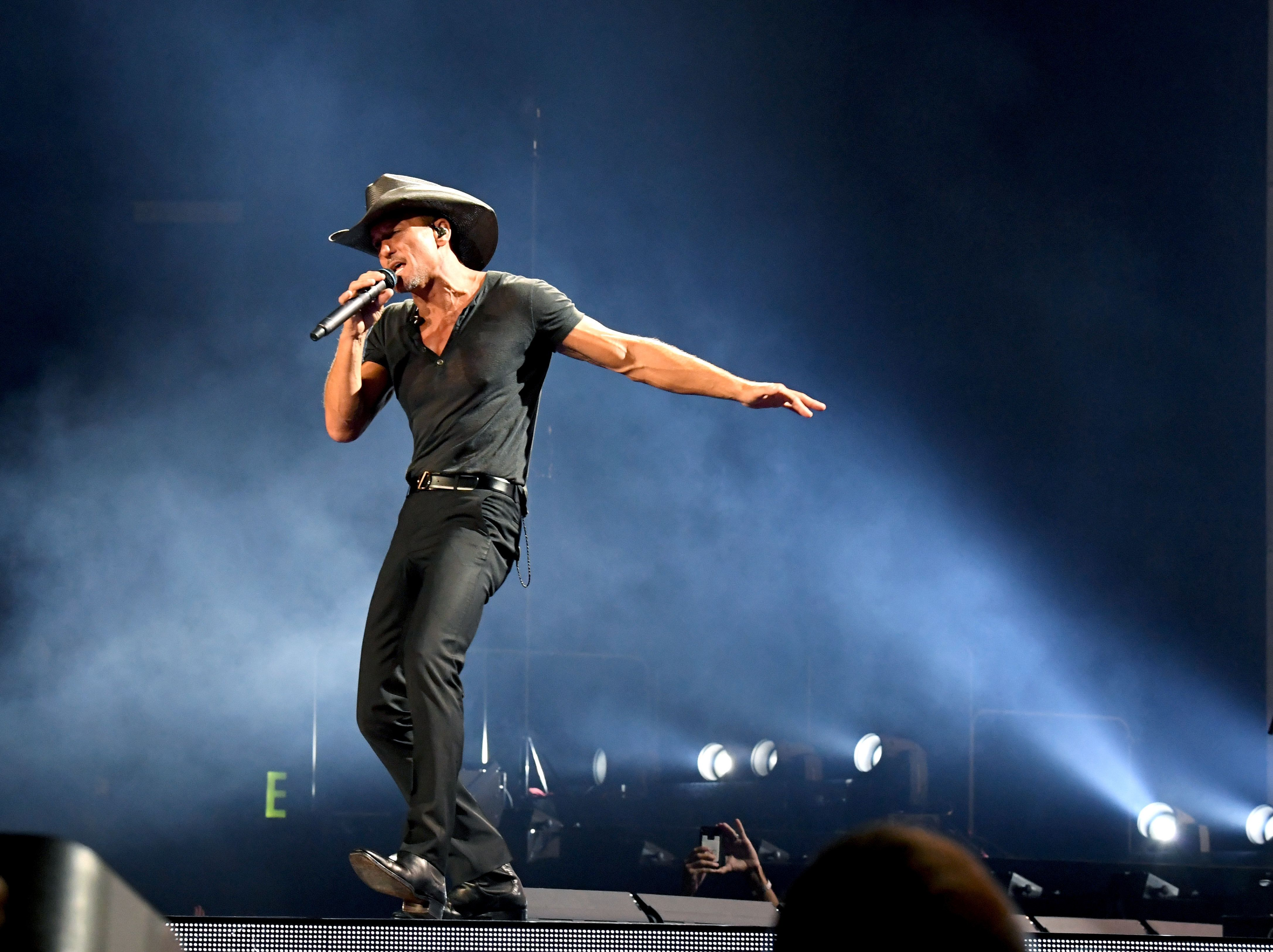 Country music star Tim McGraw collapsed on stage Sunday in Ireland after apparently suffering from dehydration.
