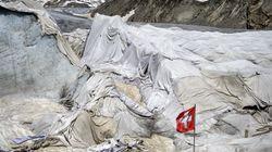 녹는 빙하를 지키기 위해 스위스인들이 고안해낸 손쉬운