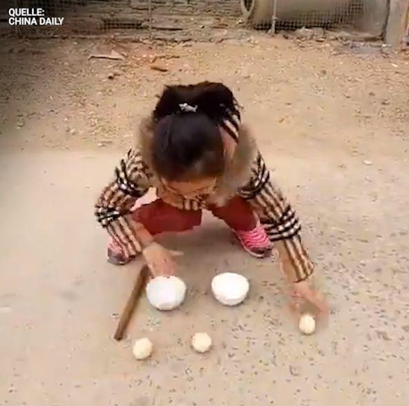 Chinesisches Mädchen führt die Menschen hinters Licht – durchschaut ihr den Trick?
