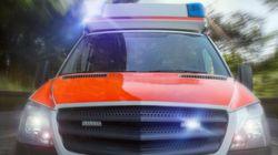 Berlin: Männer attackieren die Sanitäter, obwohl Frau noch verletzt in Wohnung liegt