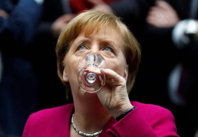 Μέρκελ: Χαίρομαι που ο Τσίπρας έχει πολλές επαφές με την Τουρκία ακόμη κι αν είναι φορτισμένες με