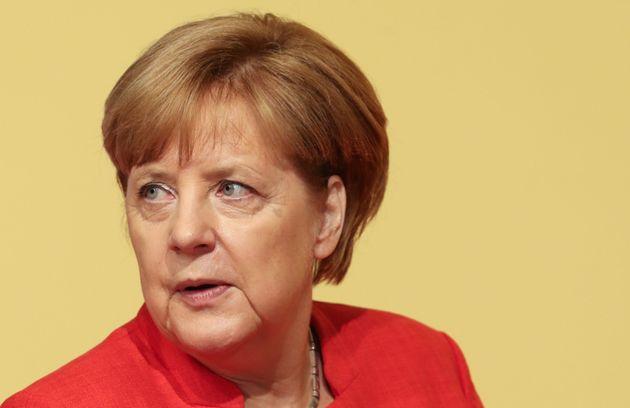 Υπέρ του Συμφώνου Σταθερότητας και κατά της κοινοτικοποίησης των χρεών η νέα κυβέρνηση της