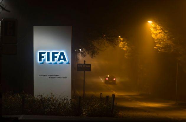 Η FIFA απειλεί με Grexit την
