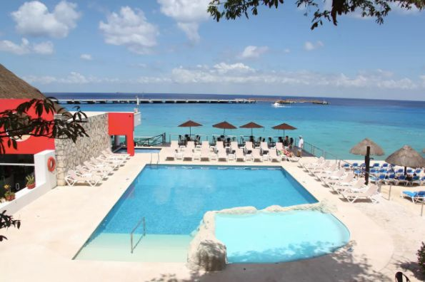 "All-inclusive 5-night-stay at the El Cid La Ceiba Beach Hotel. <a href=""https://bookit.com/mexico/cozumel/hotels/el-cid-"