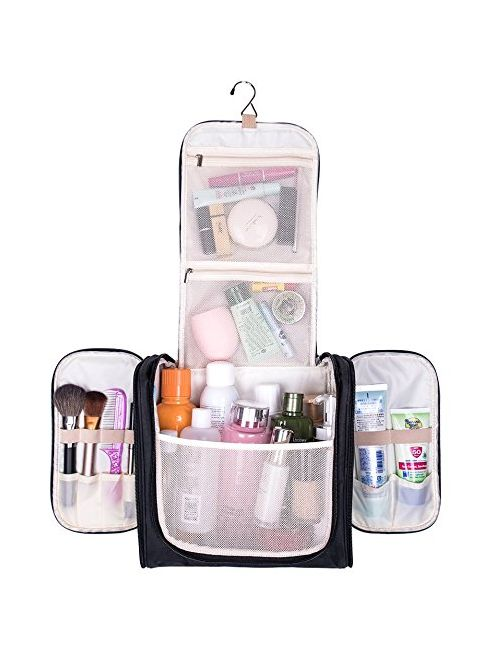 cd02dfdf2662 9 Of The Best Women s Hanging Toiletry Bags
