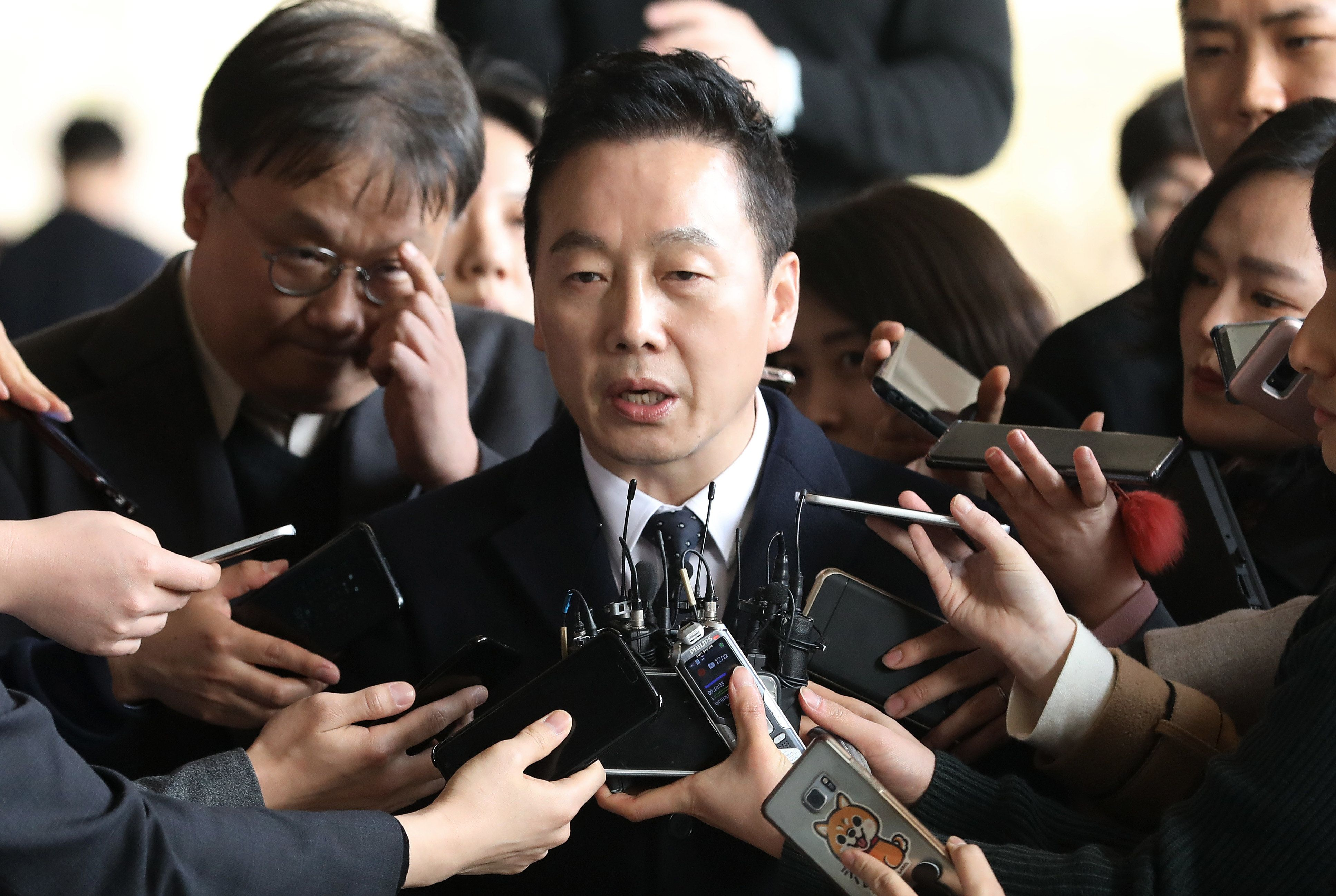 정봉주가 성추행 의혹 보도한 기자 6명에게 적용한