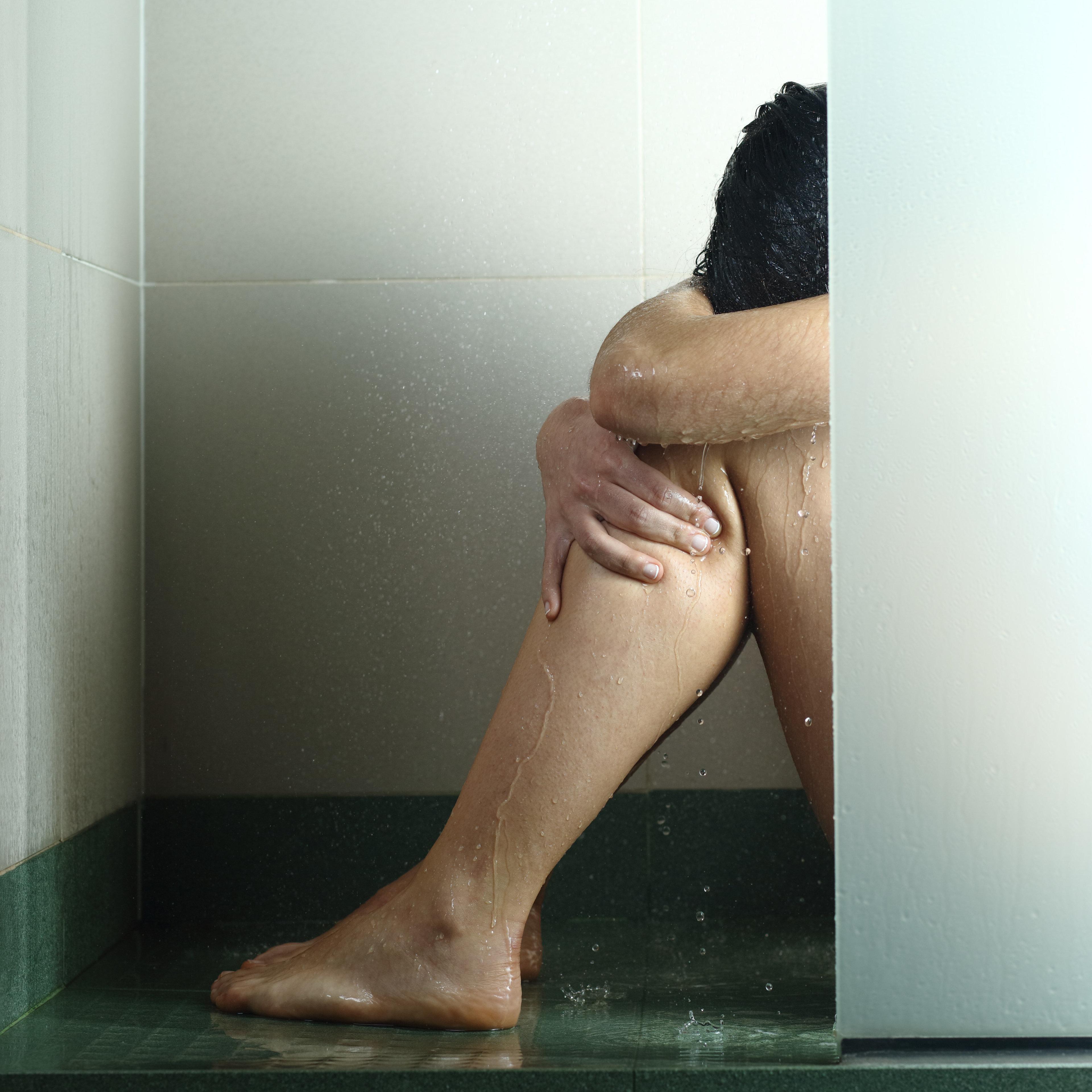 Jugendlicher soll 14-Jährige zum Sex mit fünf weiteren Männern gezwungen haben