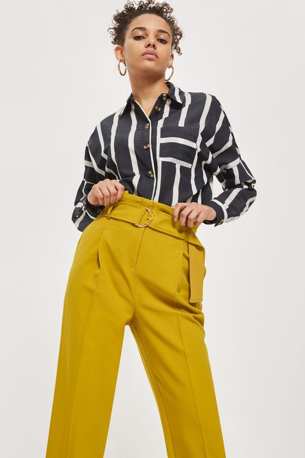 """Get them at <a href=""""http://us.topshop.com/en/tsus/product/belted-tapered-trousers-7480776?bi=20&ps=20"""" target=""""_blank"""">T"""
