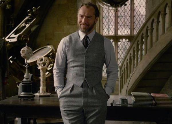 'Fantastic Beasts 2' Trailer Gives First Glimpse Of Jude Law As Albus Dumbledore