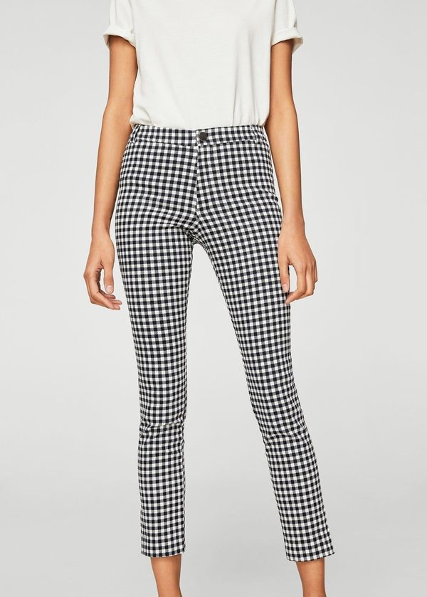 "Get them at <a href=""https://shop.mango.com/us/women/pants-skinny/slim-fit-stretch-trousers_23053613.html?c=56&n=1&s="