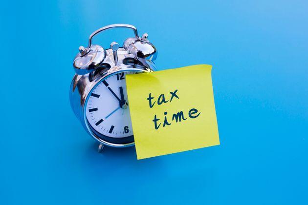 Στην τελική ευθεία για τις φορολογικές δηλώσεις. Καταληκτικές ημερομηνίες και όσα πρέπει να