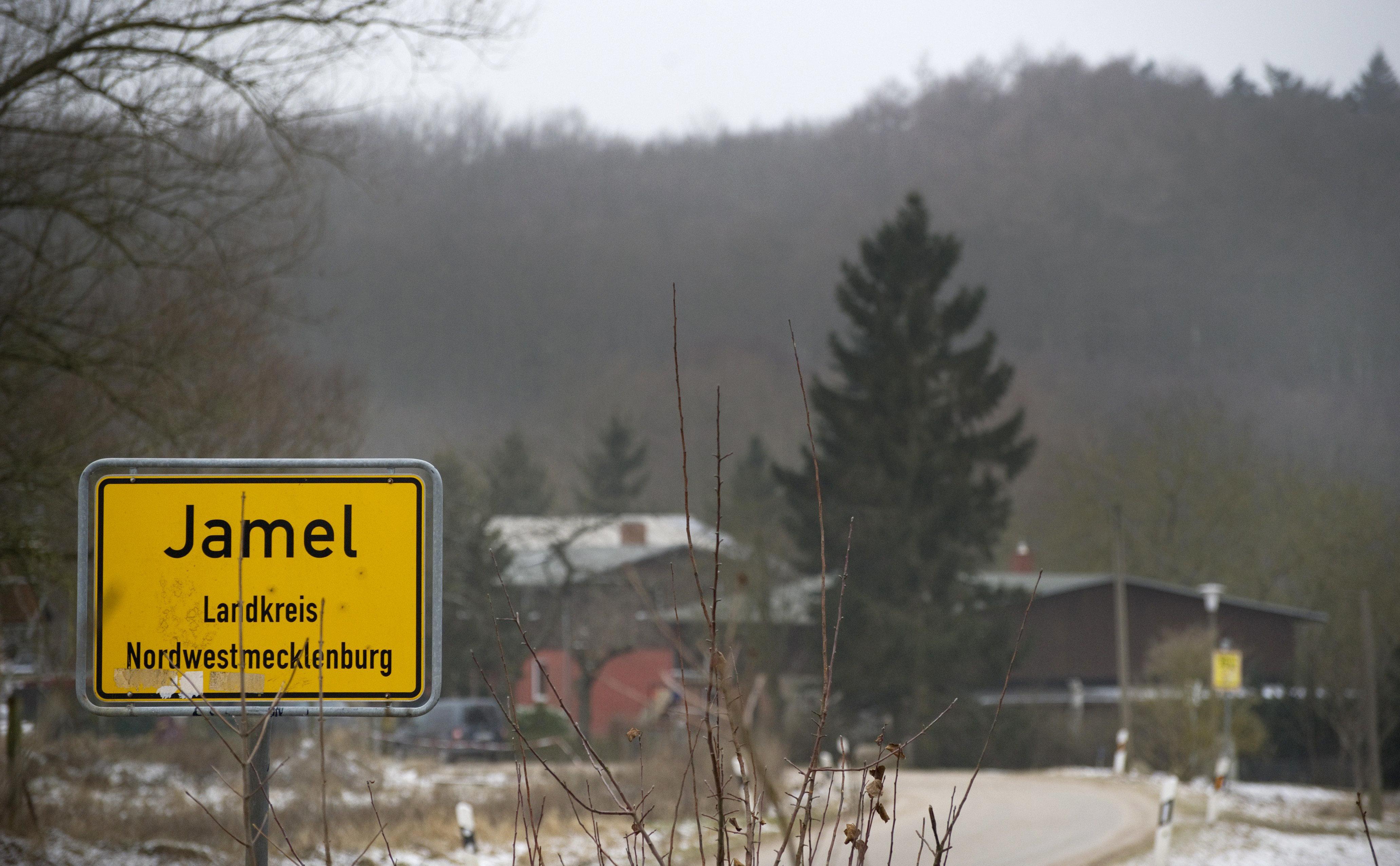 Γερμανία: Το χωριό των νεοναζί και το ζευγάρι που αντιστέκεται